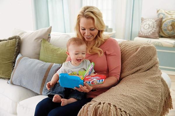 i benefici per i neonati del libricino del cagnolino della fisher price