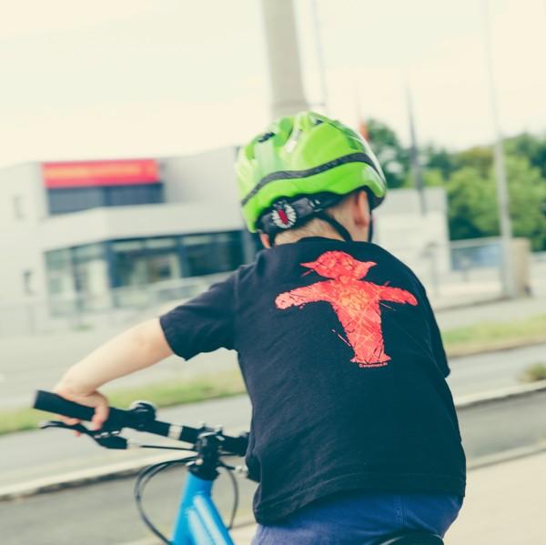 casco per bambini piccoli in bicicletta