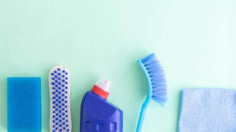 cosa usare per pulire i prodotti per la prima infanzia